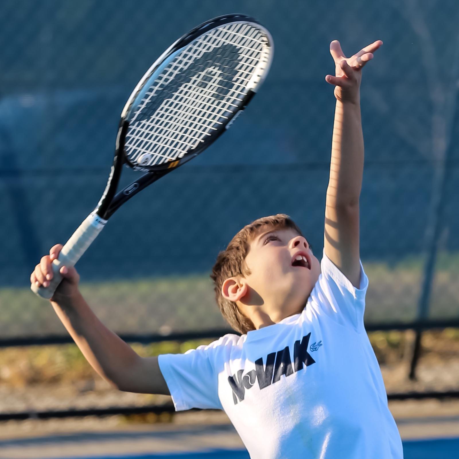 Novak_tennis_serve